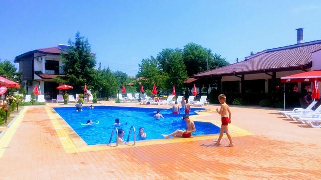 бассейн в комплексе Траките, Елхово