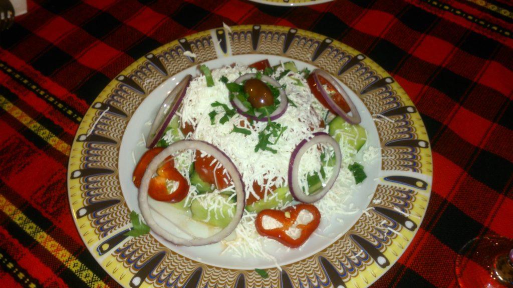 Шопский салат_шопска салата_болгарская кухня